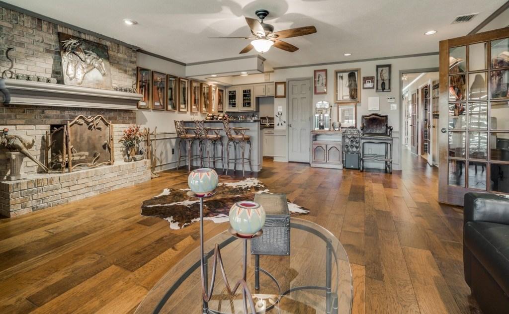 Sold Property | 6816 Gaston Avenue Dallas, Texas 75214 9