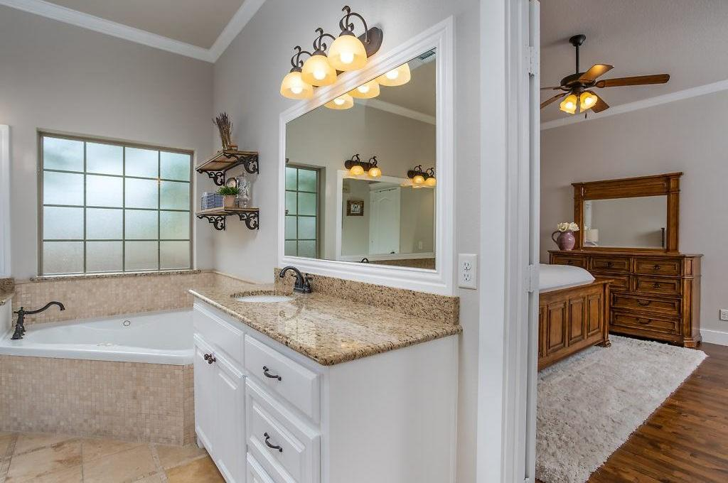 Sold Property | 3553 Bellaire Drive Fort Worth, TX 76109 15