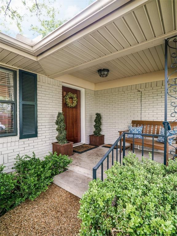 Sold Property | 6619 Patrick Drive Dallas, Texas 75214 2
