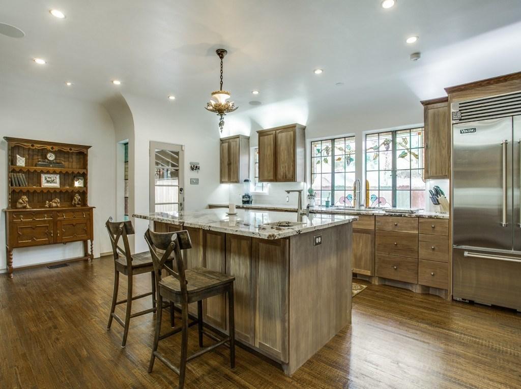 Sold Property | 7035 Lakewood Boulevard Dallas, Texas 75214 11