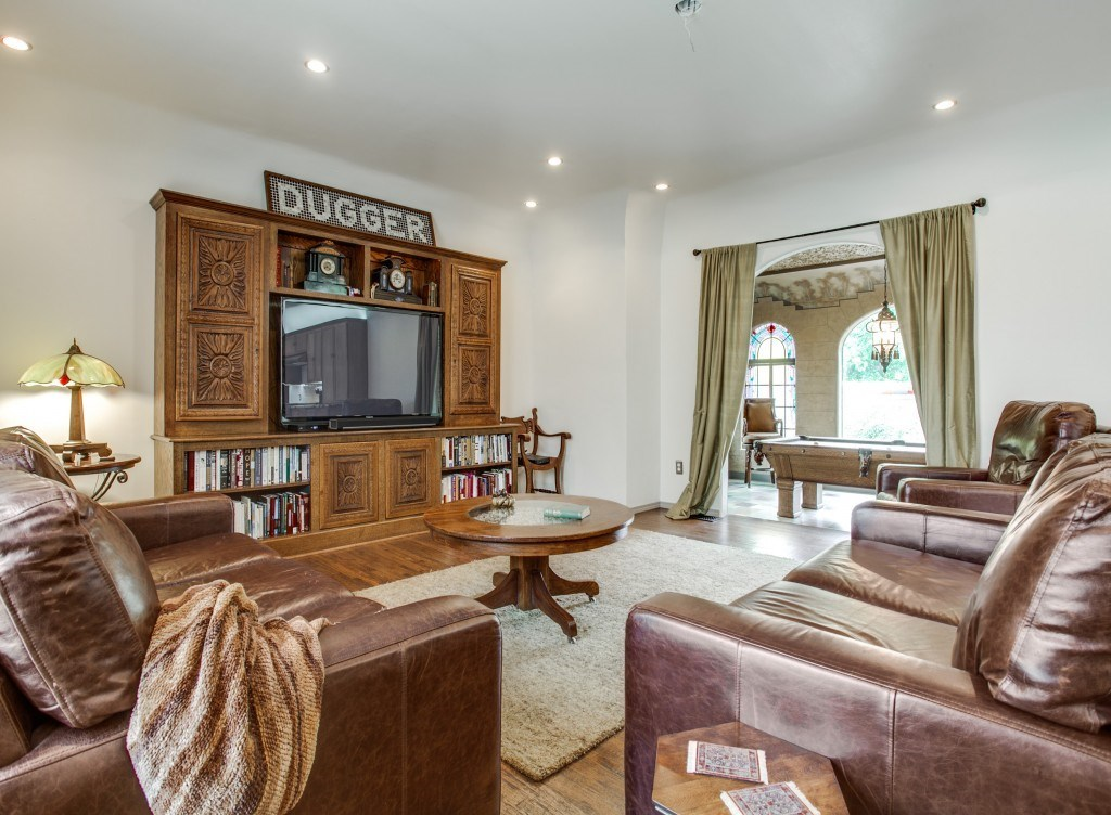 Sold Property | 7035 Lakewood Boulevard Dallas, Texas 75214 13