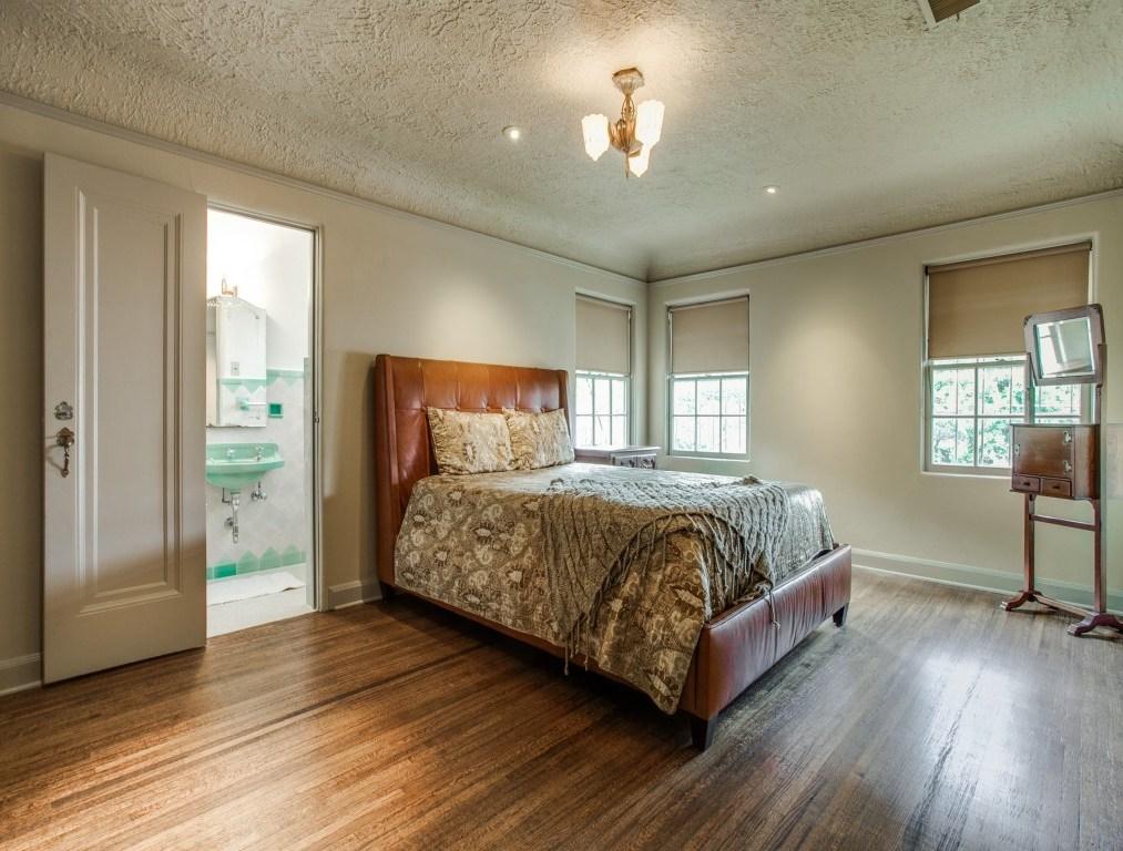 Sold Property | 7035 Lakewood Boulevard Dallas, Texas 75214 19