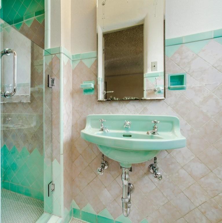 Sold Property | 7035 Lakewood Boulevard Dallas, Texas 75214 20