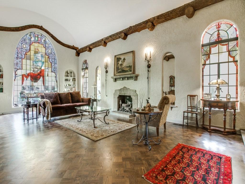Sold Property | 7035 Lakewood Boulevard Dallas, Texas 75214 3