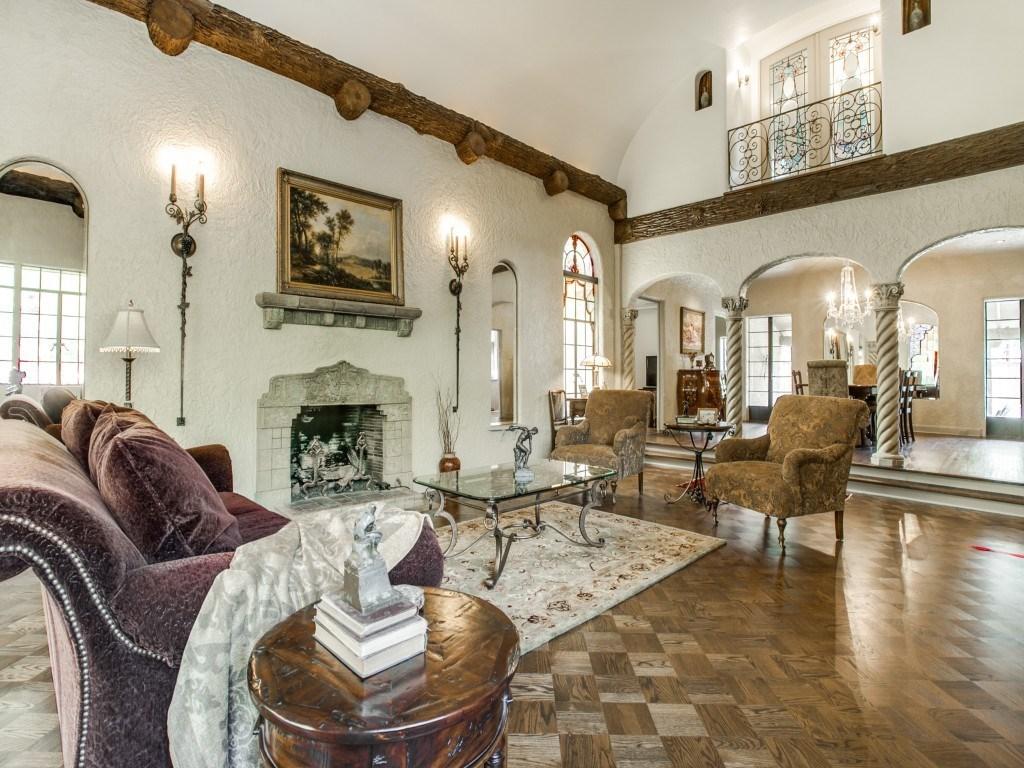 Sold Property | 7035 Lakewood Boulevard Dallas, Texas 75214 4