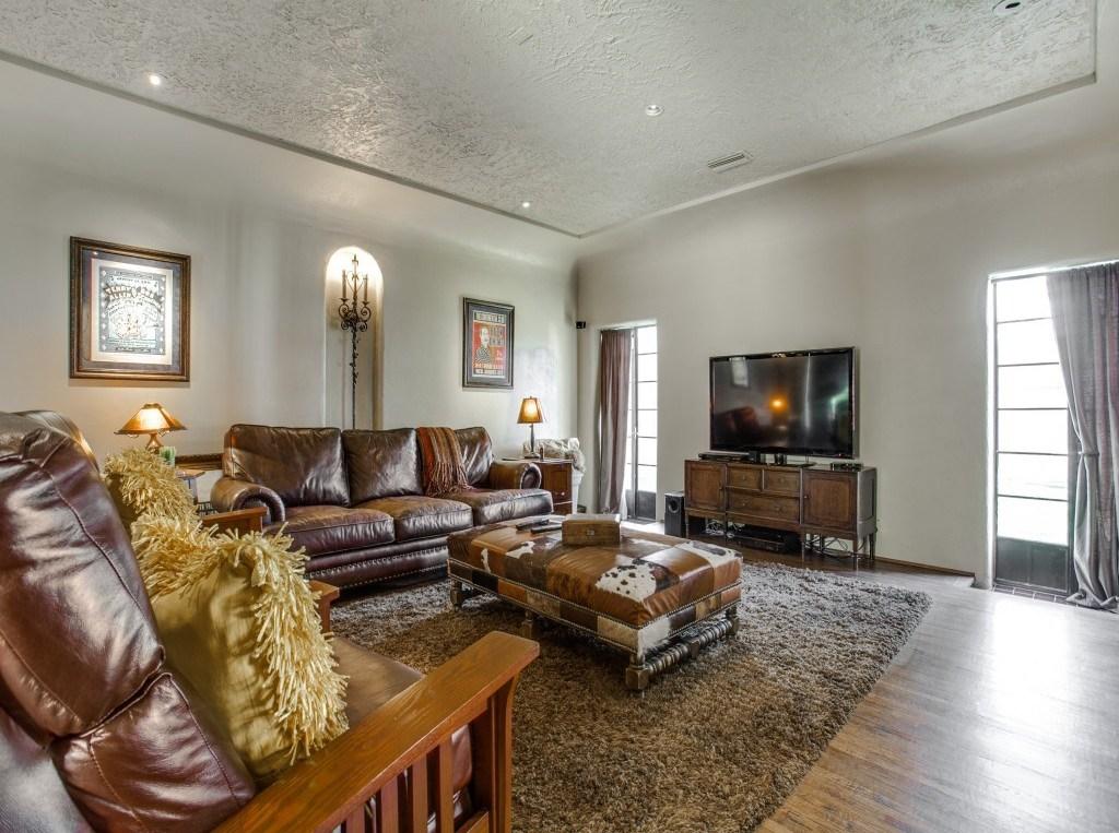 Sold Property | 7035 Lakewood Boulevard Dallas, Texas 75214 6