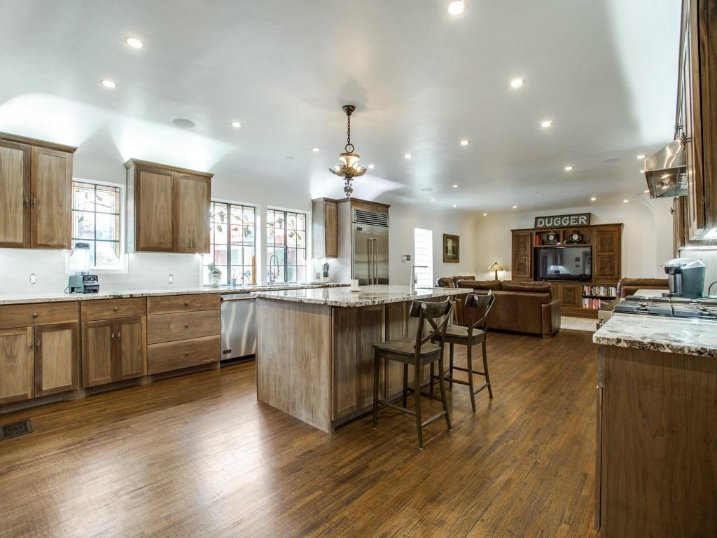 Sold Property | 7035 Lakewood Boulevard Dallas, Texas 75214 9