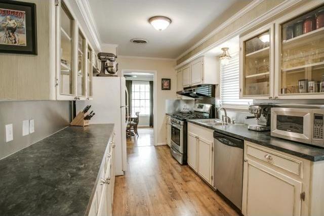 Sold Property   6719 Ravendale Lane Dallas, Texas 75214 10