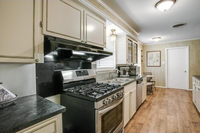 Sold Property   6719 Ravendale Lane Dallas, Texas 75214 9