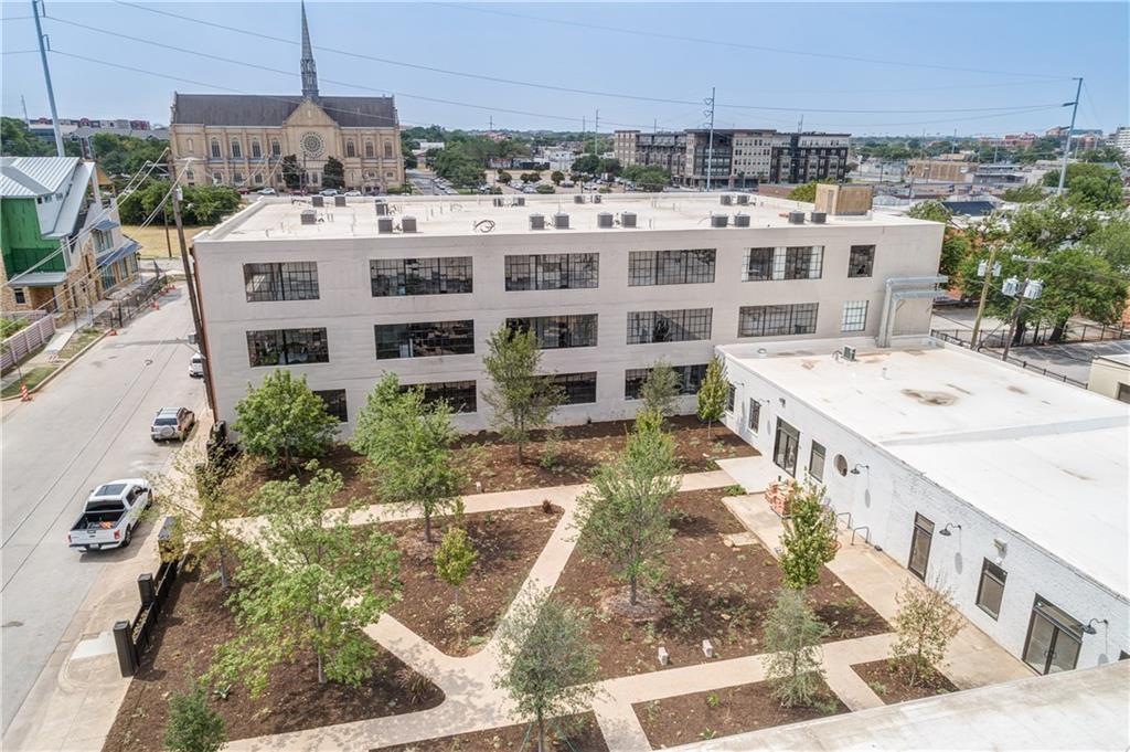 Pending | 120 S St. Louis Avenue #132 Fort Worth, TX 76104 2