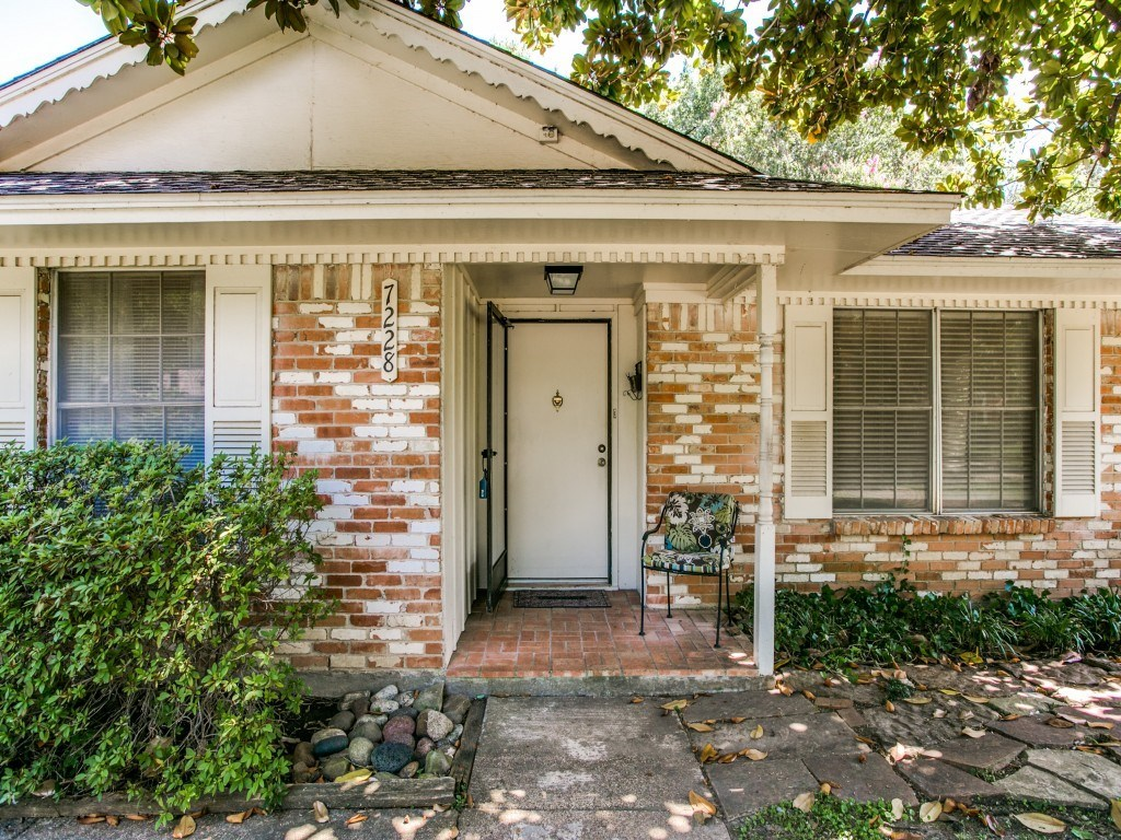 Sold Property | 7228 Syracuse Drive Dallas, Texas 75214 2