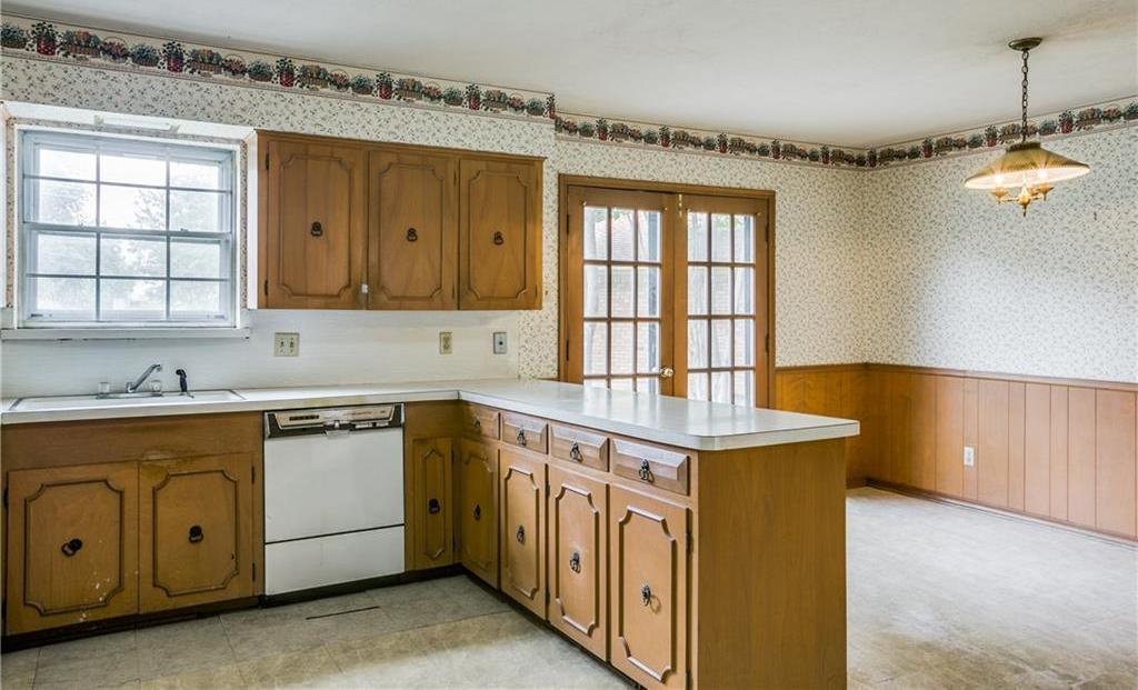 Sold Property | 7911 Hillfawn Circle Dallas, Texas 75248 11