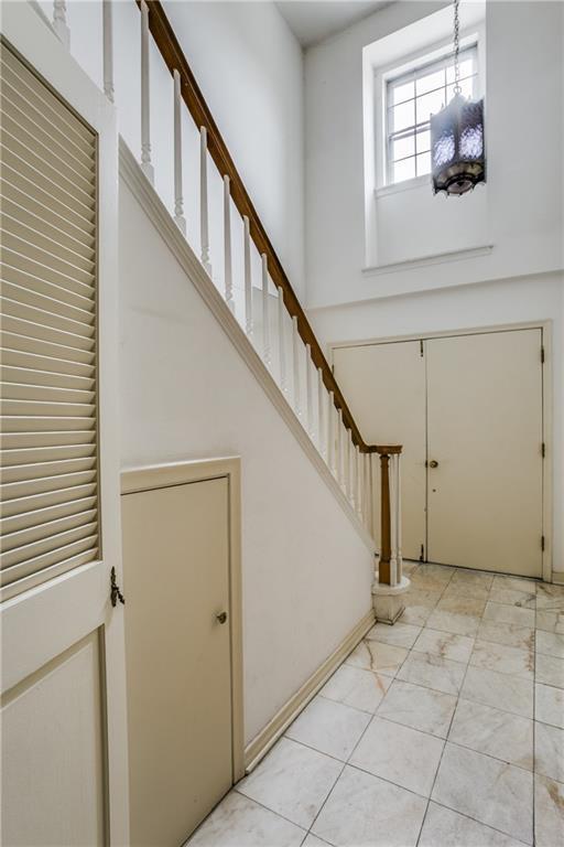 Sold Property | 7911 Hillfawn Circle Dallas, Texas 75248 3