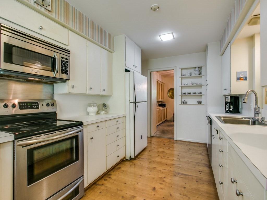 Sold Property | 7210 Twin Tree Lane Dallas, Texas 75214 12