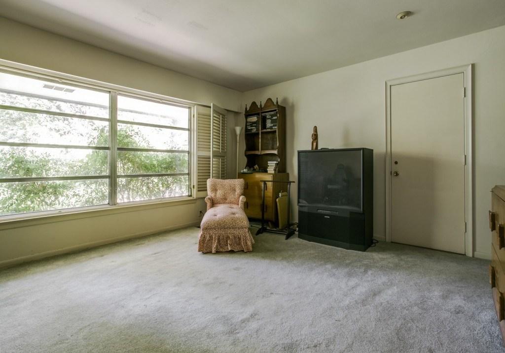 Sold Property | 7210 Twin Tree Lane Dallas, Texas 75214 14