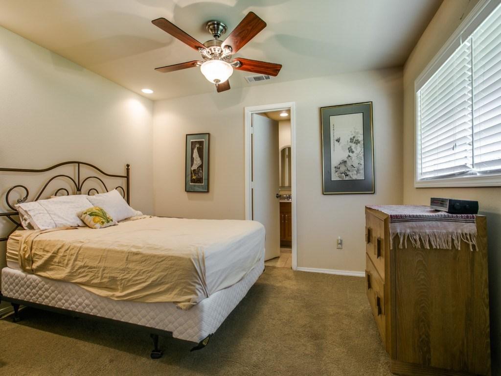 Sold Property | 7210 Twin Tree Lane Dallas, Texas 75214 15