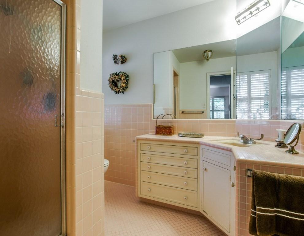 Sold Property | 7210 Twin Tree Lane Dallas, Texas 75214 17