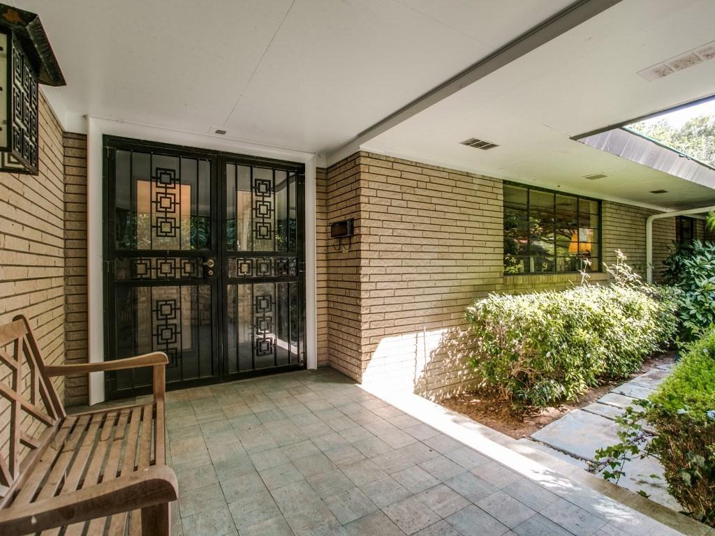 Sold Property | 7210 Twin Tree Lane Dallas, Texas 75214 2