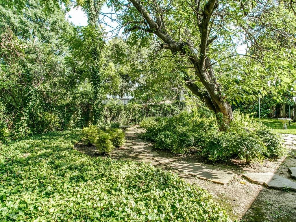 Sold Property | 7210 Twin Tree Lane Dallas, Texas 75214 23