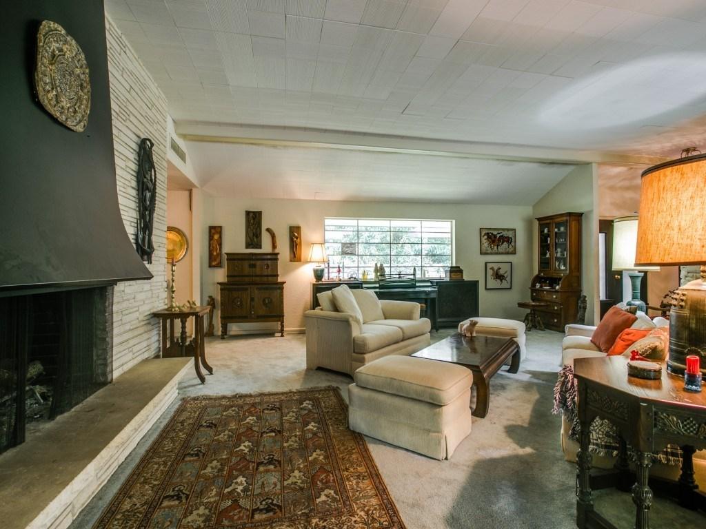 Sold Property | 7210 Twin Tree Lane Dallas, Texas 75214 4