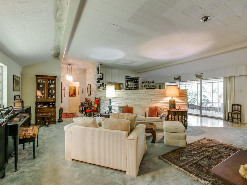 Sold Property | 7210 Twin Tree Lane Dallas, Texas 75214 5