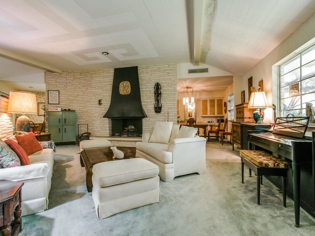 Sold Property | 7210 Twin Tree Lane Dallas, Texas 75214 6
