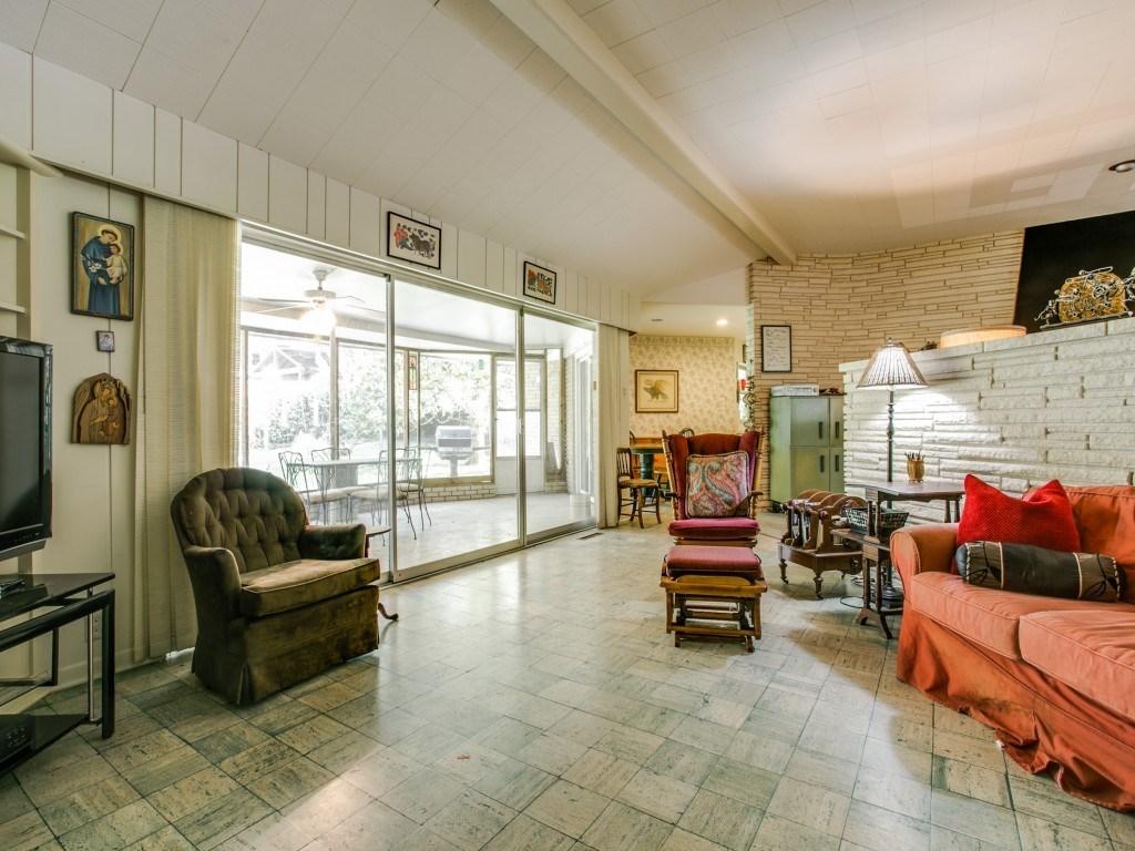 Sold Property | 7210 Twin Tree Lane Dallas, Texas 75214 7