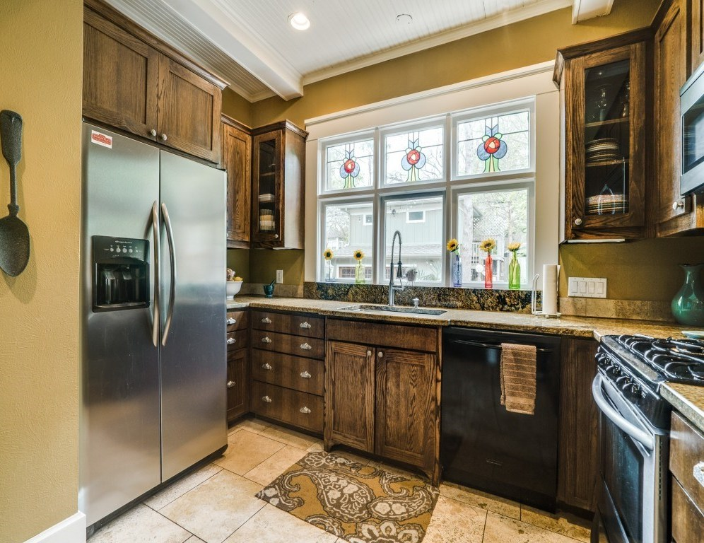 Sold Property | 4837 Tremont Street Dallas, Texas 75246 11