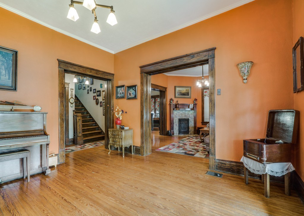 Sold Property | 4837 Tremont Street Dallas, Texas 75246 4
