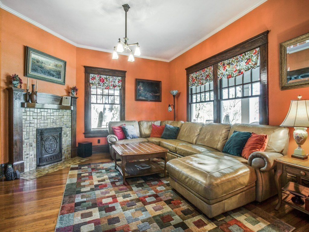 Sold Property | 4837 Tremont Street Dallas, Texas 75246 6