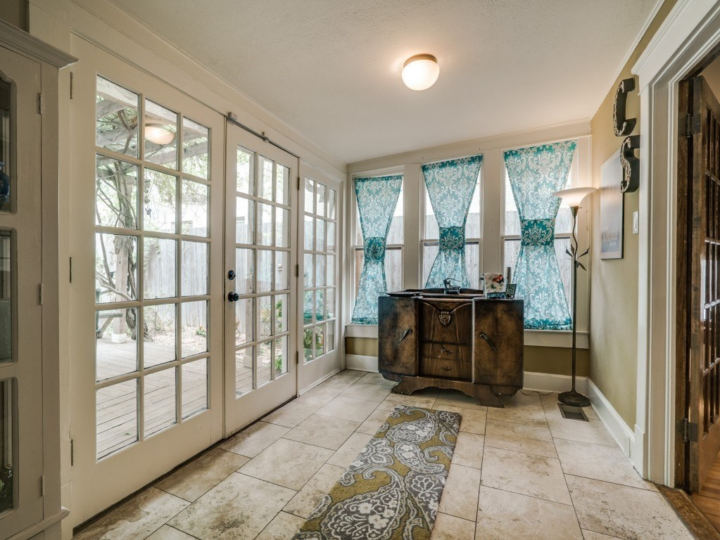 Sold Property | 4837 Tremont Street Dallas, Texas 75246 9