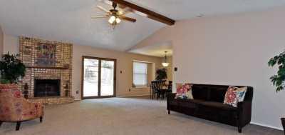 Sold Property | 2127 Reverchon Drive Arlington, Texas 76017 4