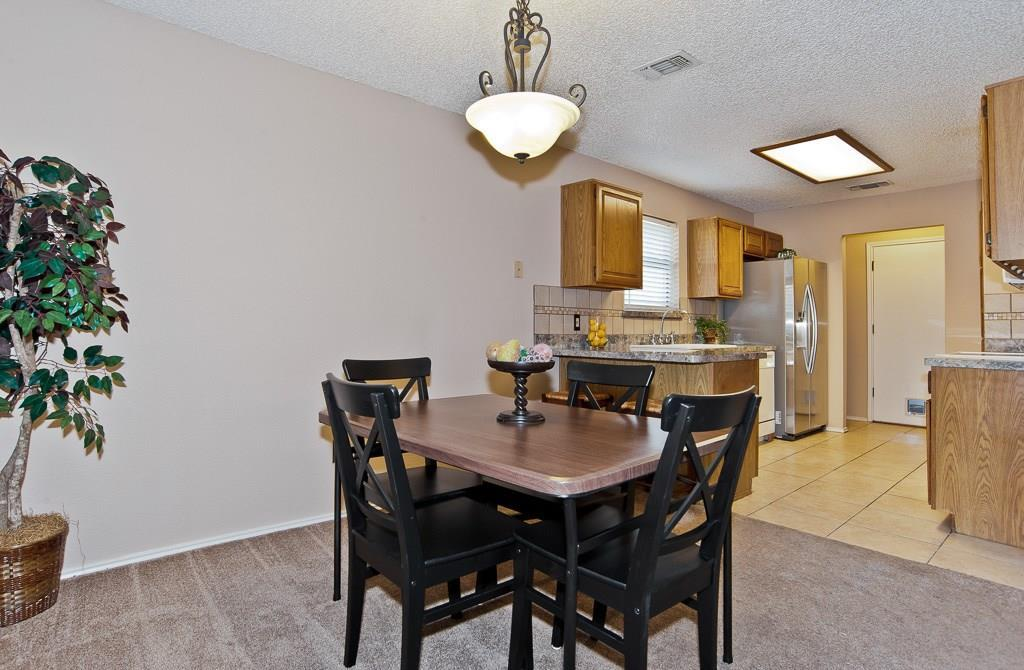 Sold Property | 2127 Reverchon Drive Arlington, Texas 76017 7