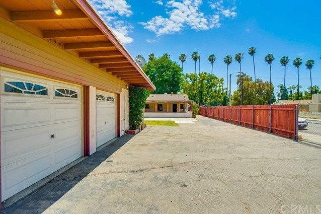 Closed | 719 E Franklin Avenue Pomona, CA 91766 68