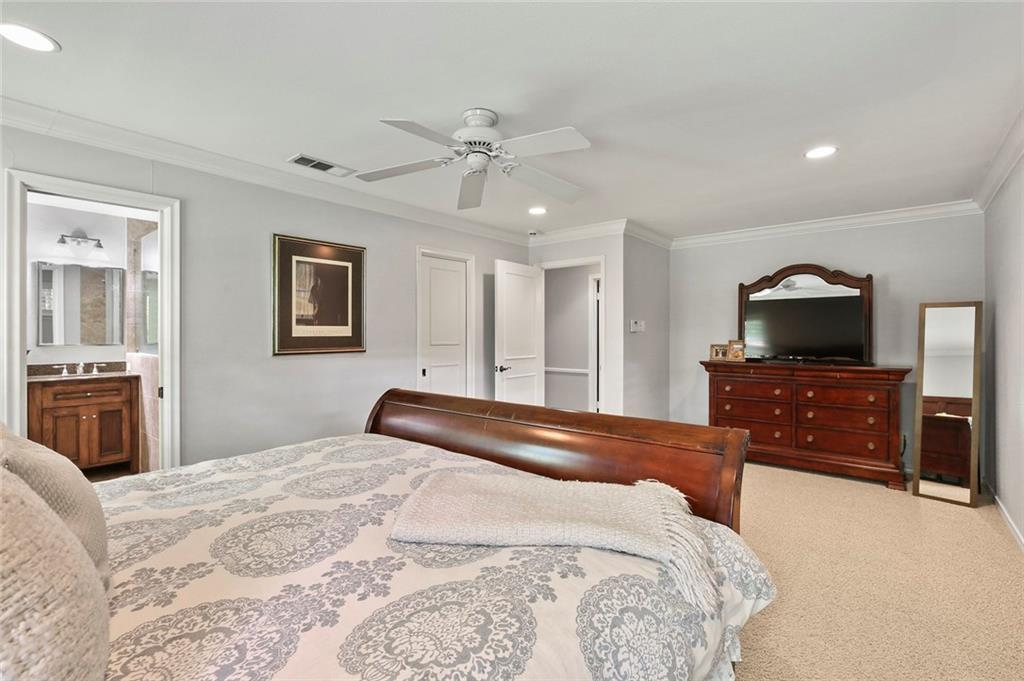Housed Real Estate | Rach Potter | 7412 Larchview Drive Dallas, Texas 75254 25