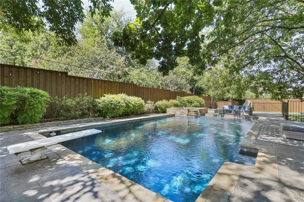 Housed Real Estate | Rach Potter | 7412 Larchview Drive Dallas, Texas 75254 30