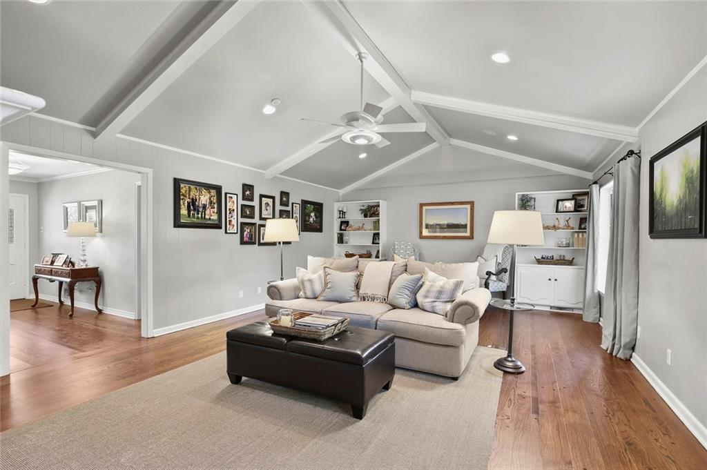 Housed Real Estate | Rach Potter | 7412 Larchview Drive Dallas, Texas 75254 6