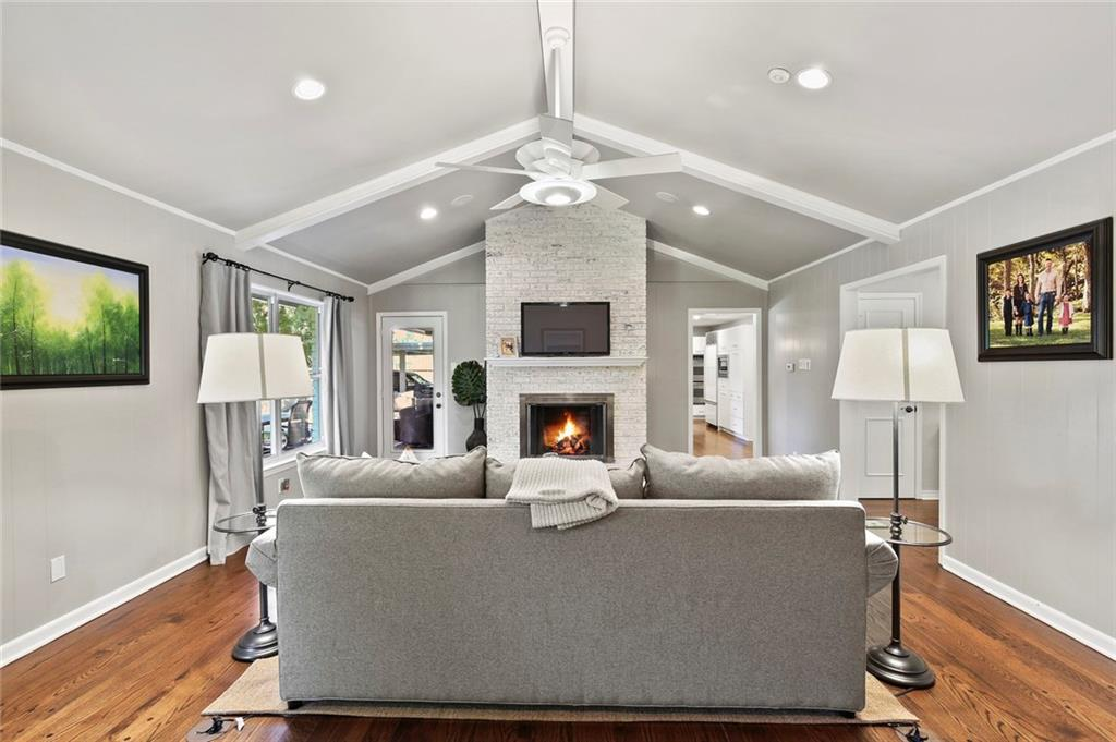 Housed Real Estate | Rach Potter | 7412 Larchview Drive Dallas, Texas 75254 9