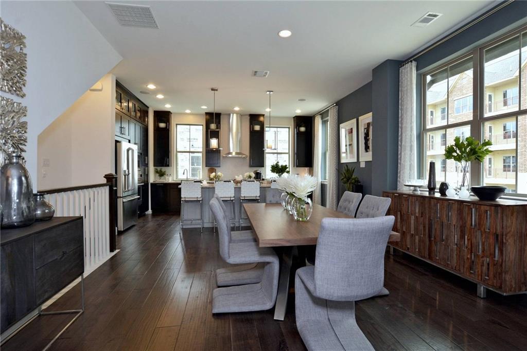 Sold Property | 1062 Manacor Lane Dallas, Texas 75212 3