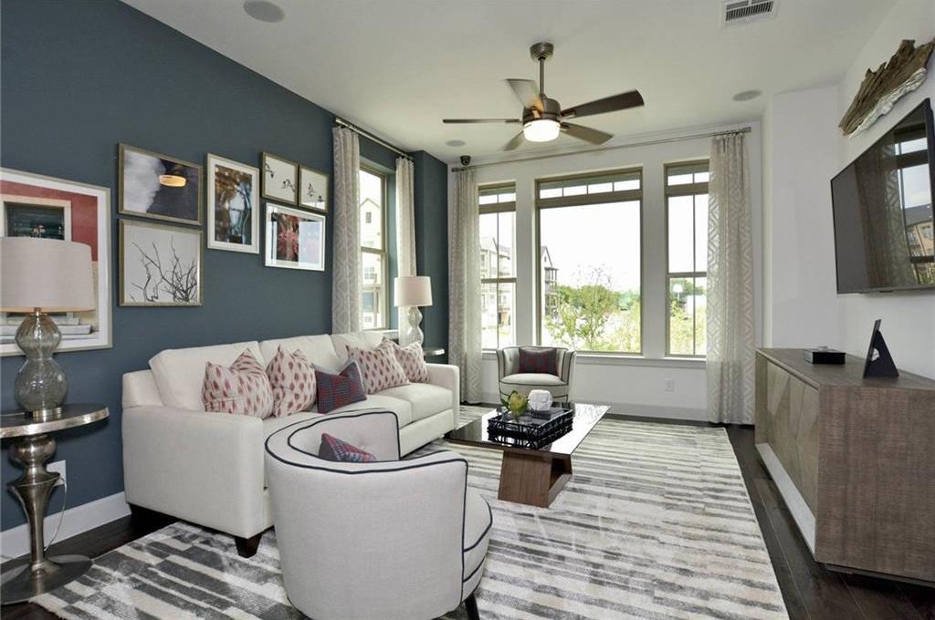 Sold Property | 1062 Manacor Lane Dallas, Texas 75212 4