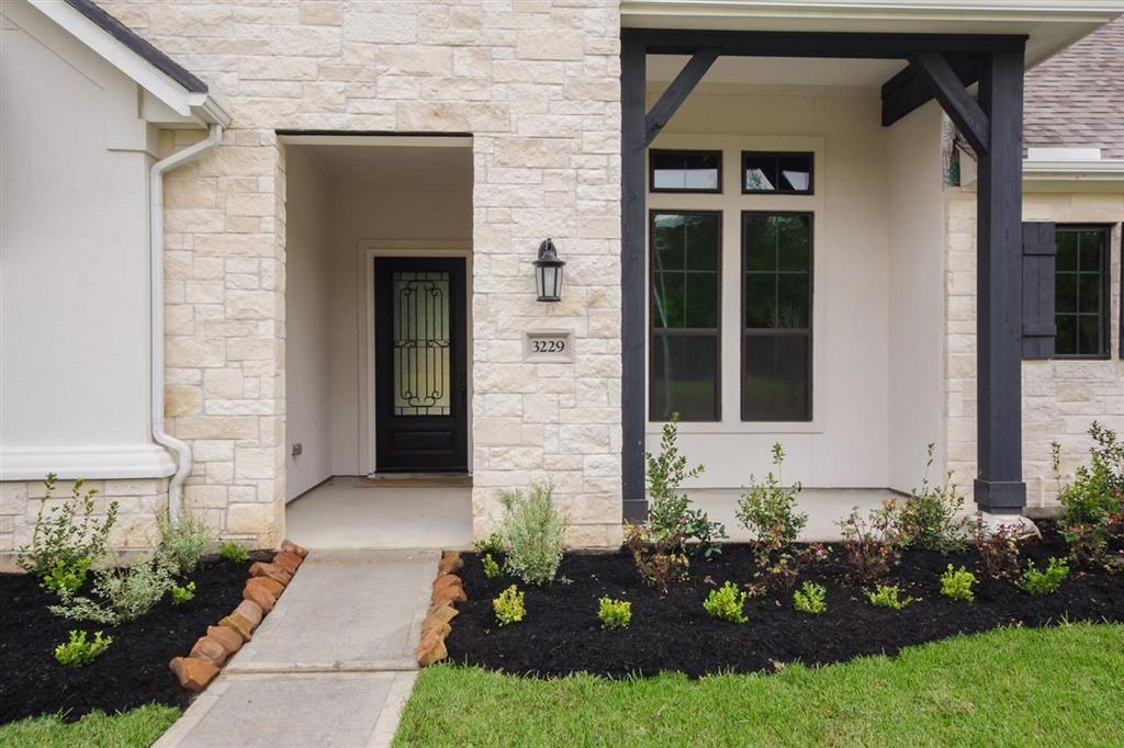 Active | 3229 Floral Garden  Kingwood, TX 77365 2
