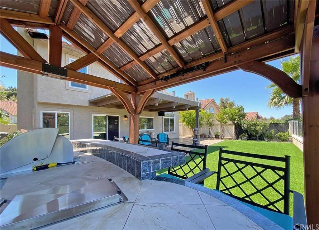 Closed   18 San Bonifacio Rancho Santa Margarita, CA 92688 17