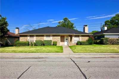 Sold Property | 2812 Cliffbrook Drive Carrollton, Texas 75007 3