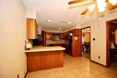Sold Property | 2812 Cliffbrook Drive Carrollton, Texas 75007 6