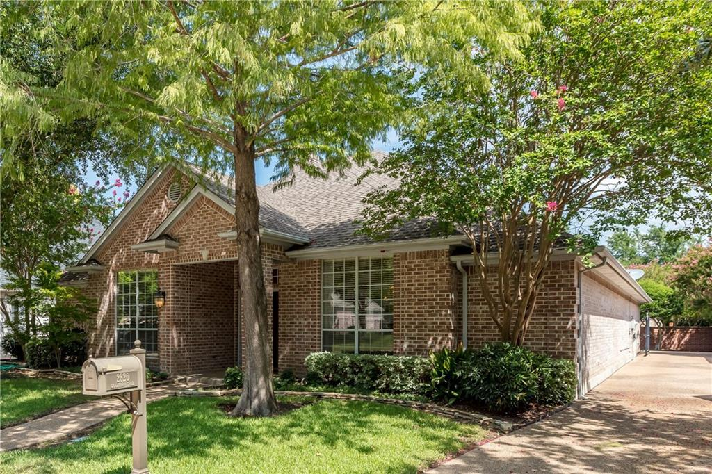 Expired | 2820 Oakbriar Trail Fort Worth, Texas 76109 1
