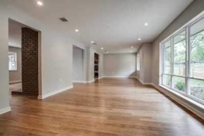 Sold Property | 10315 Van Dyke Road Dallas, Texas 75218 5