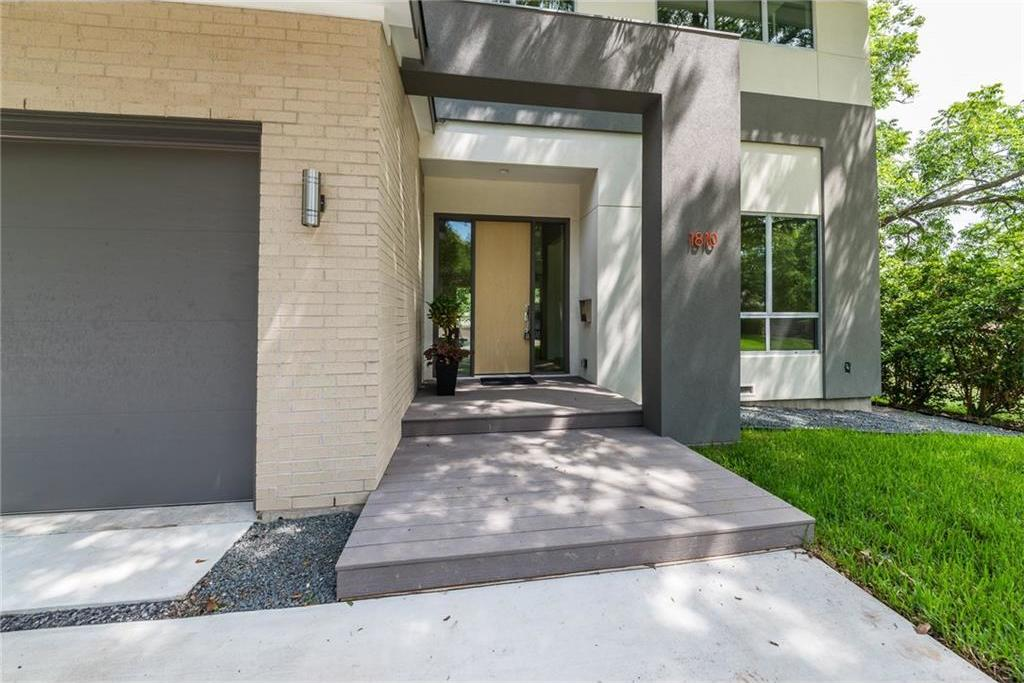 Sold Property | 1810 Loving Avenue Dallas, Texas 75214 1