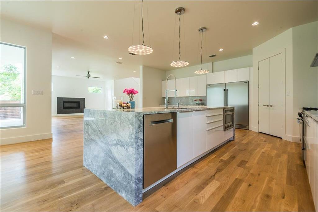 Sold Property | 1810 Loving Avenue Dallas, Texas 75214 10