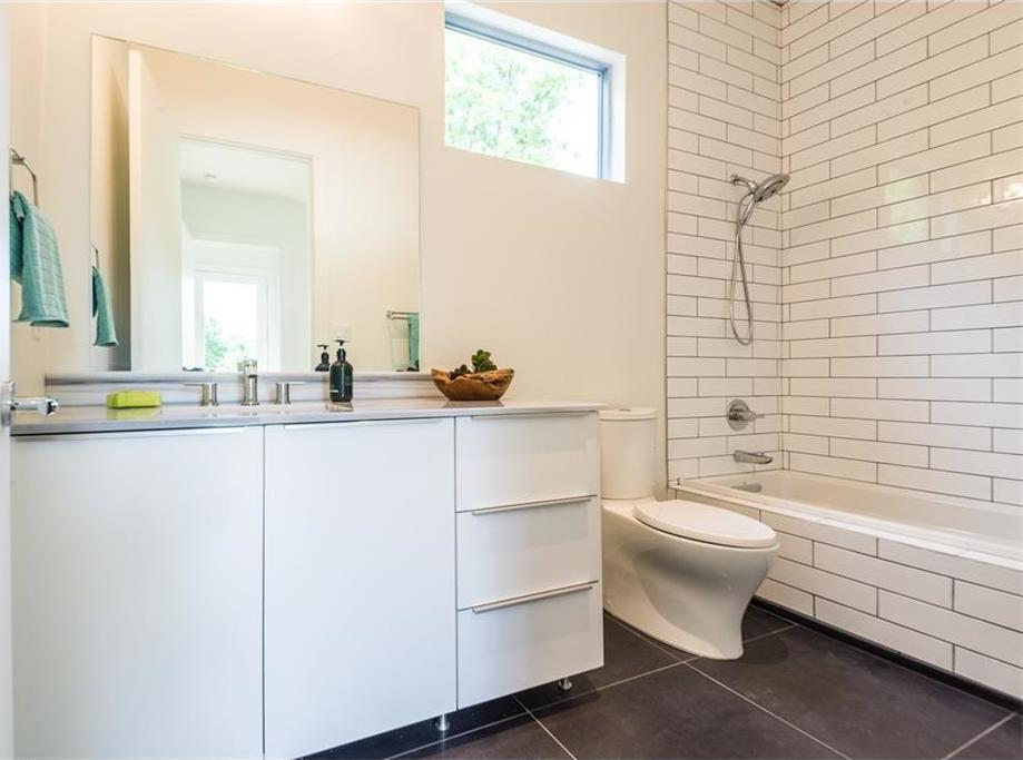 Sold Property | 1810 Loving Avenue Dallas, Texas 75214 15