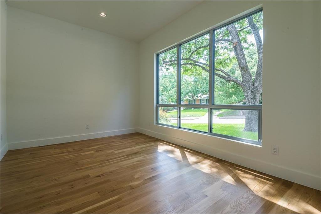 Sold Property | 1810 Loving Avenue Dallas, Texas 75214 3